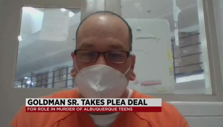 Man_accused_of_helping_cover_up_murders_takes_plea_deal-syndImport-070145.jpg